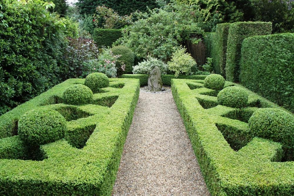 knot garden.jpg