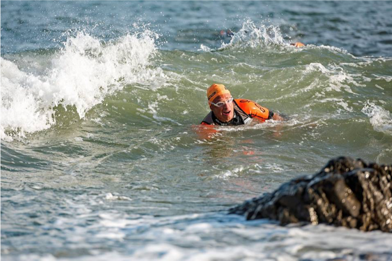 Breca Gower swimrun waves