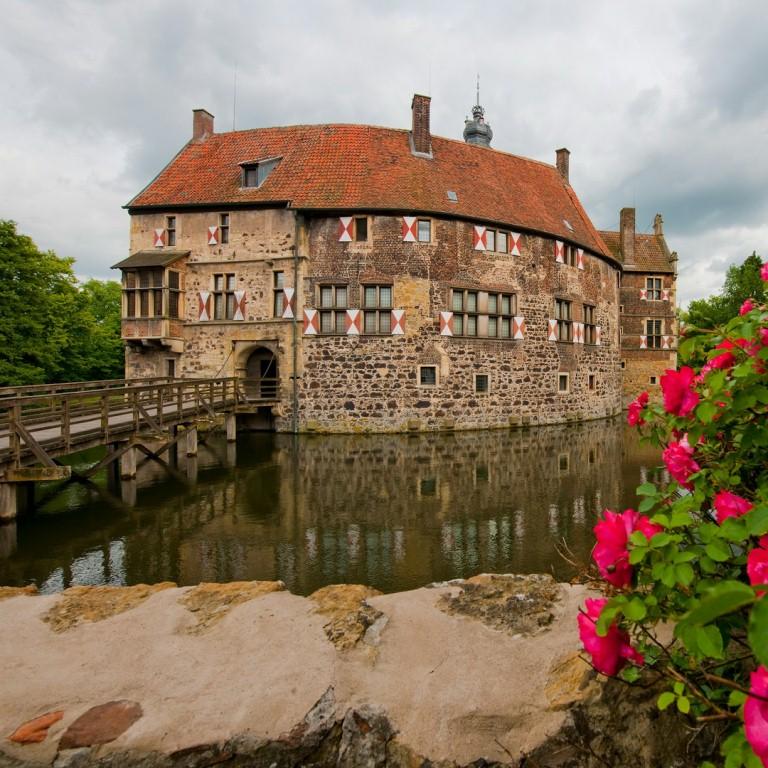 Burg_Vischering_-_Luedinghausen__Foto_Oliver_Franke_Tourismus_NRW_eV_RET_1024x768.jpg
