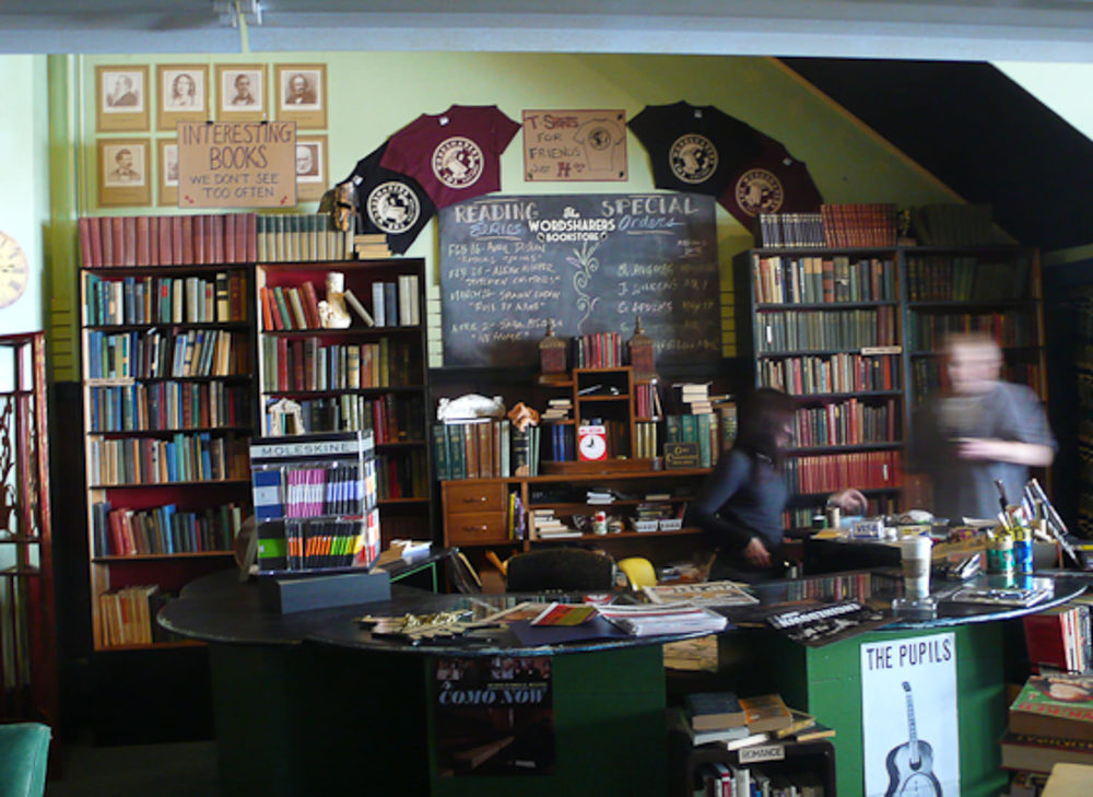 Sam's Bookstore - Dressing cashier area