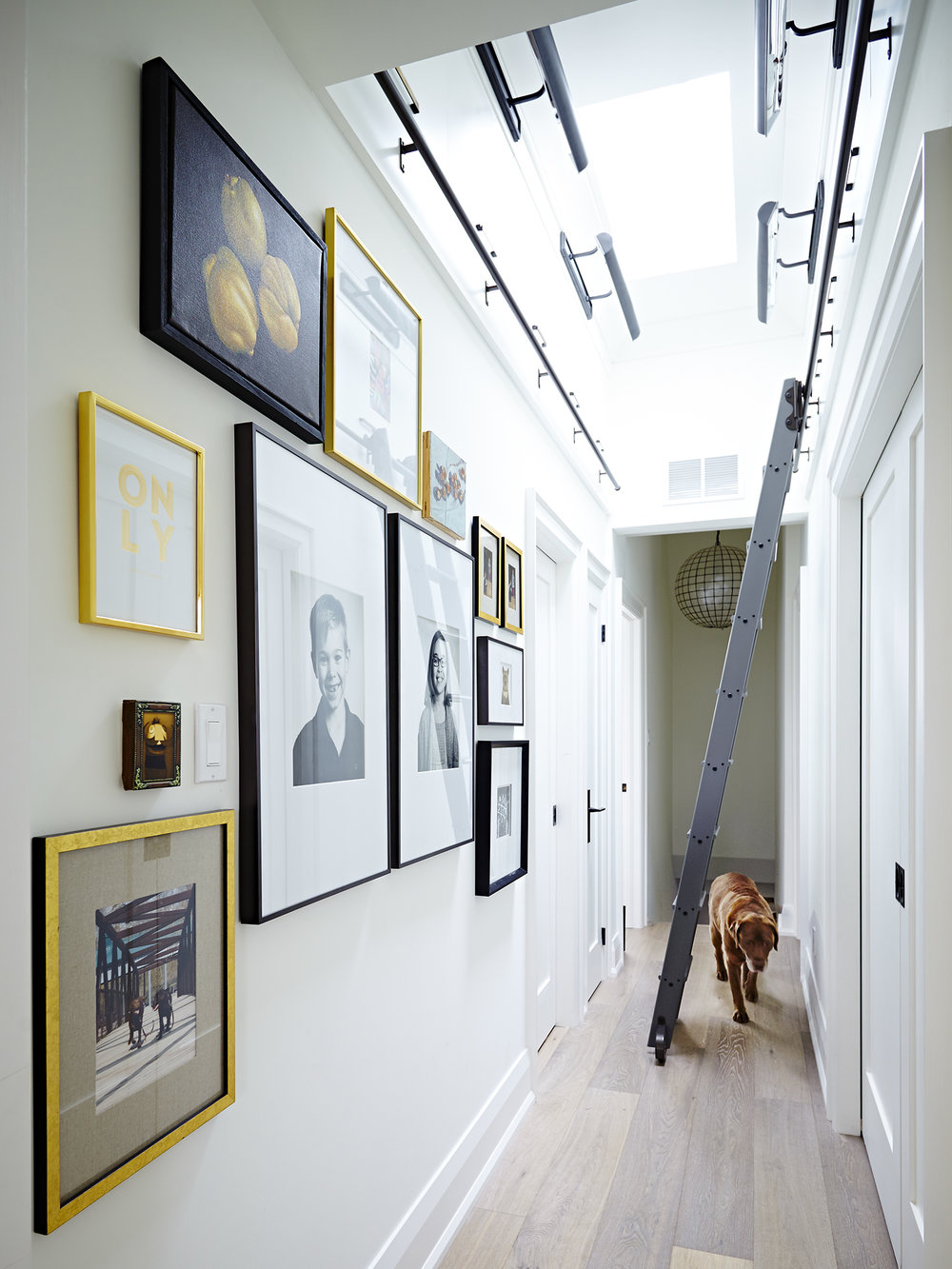 CindyBleeksHouse_April_2016_516hallway.jpg
