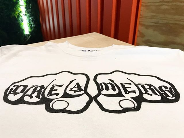 Happy to help @misraicescco print her #DREAMERS tees for her upcoming fashion adventure to NYC 👊🏽💥:: #dearfuturela #afterschool  #artclub #arteducation #highschoolart #wegettogive #artstudent #artmentor #artchangeslives #nonprofit