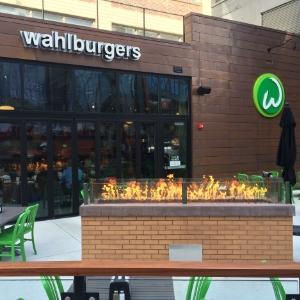 wahlburgersboston