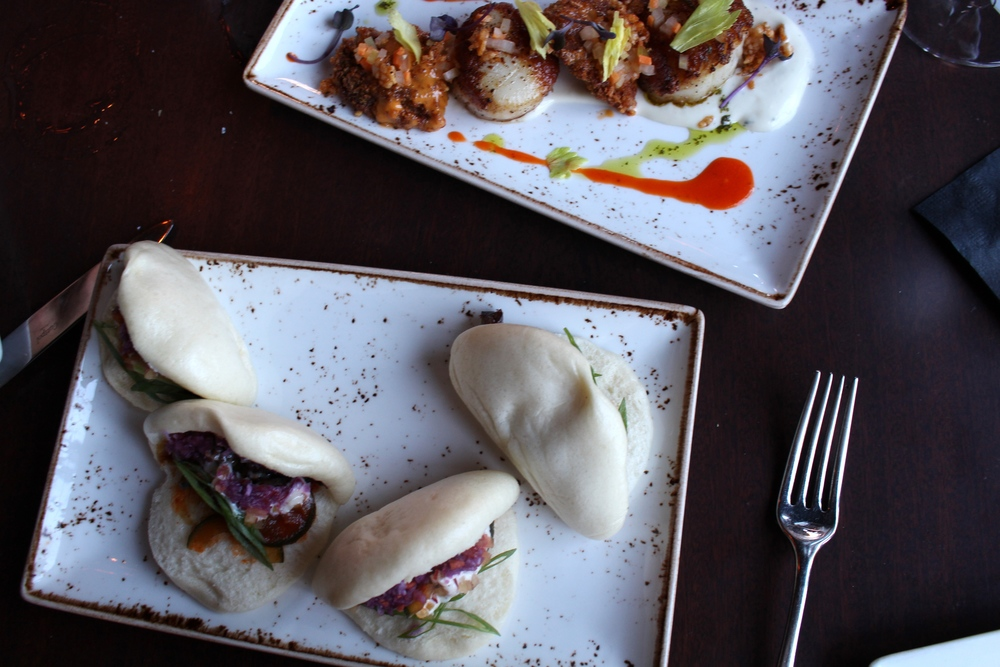 scallops and steam buns