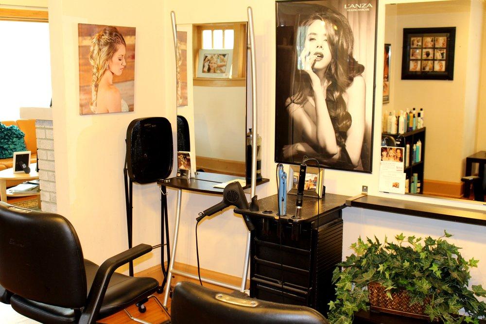 One Salon Stylist Chairs