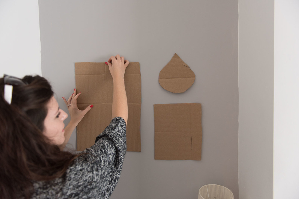 A step by step guide to creating a mini (or large) gallery wall
