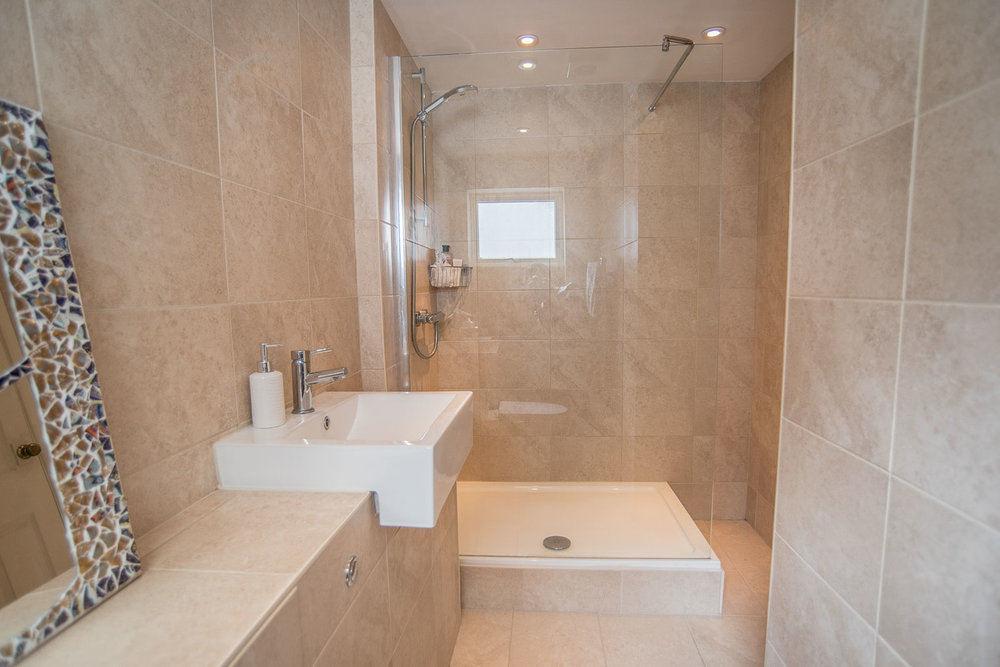 brighton house selling tips - bathroom cleaning