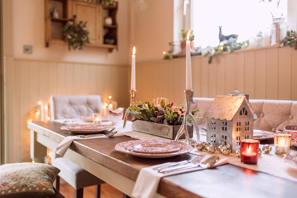 Christmas Table Decoration Ideas - Fifi McGee Interior Blogger