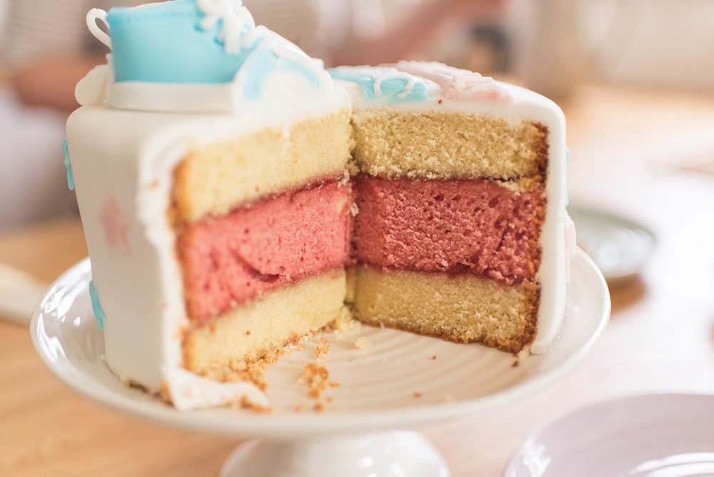 gender reveal cake it's a girl