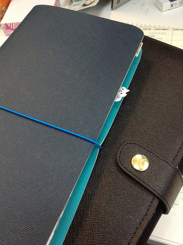 My Happie Scrappie faux dori on the left,and my black Kikki K planner (A5)