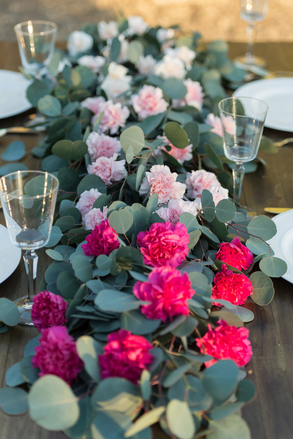 pink-ombre-centerpiece-for-outdoor-wedding