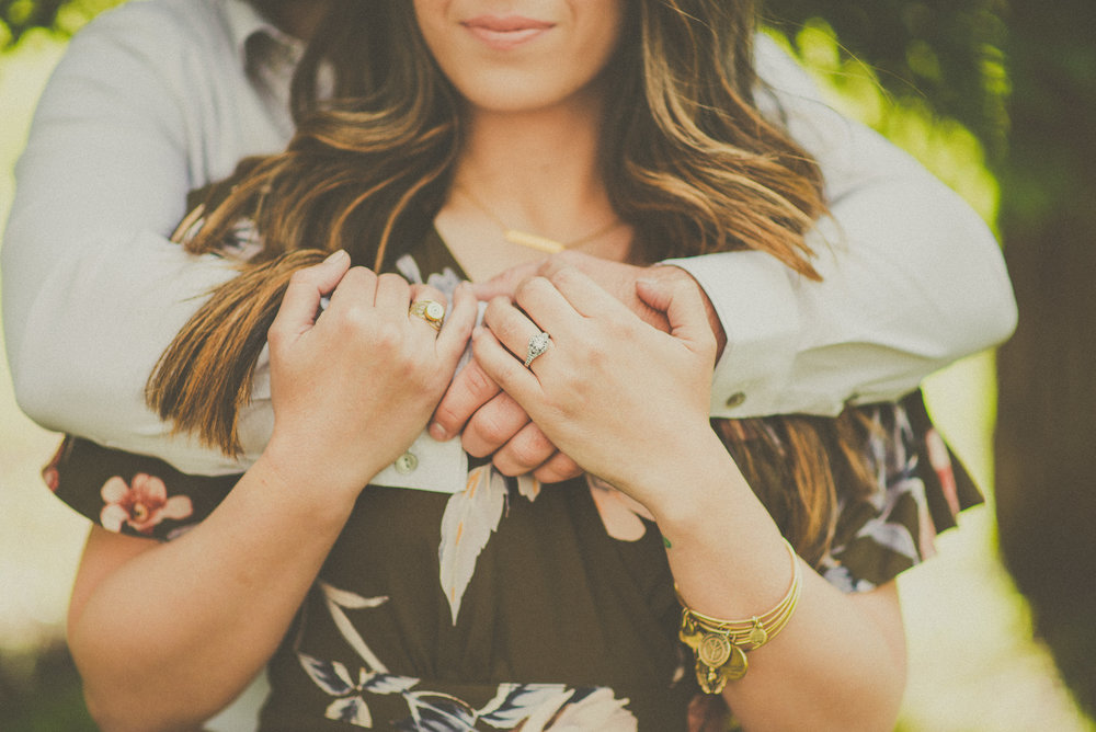 Ariana & Jonas - Engagement-14.jpg
