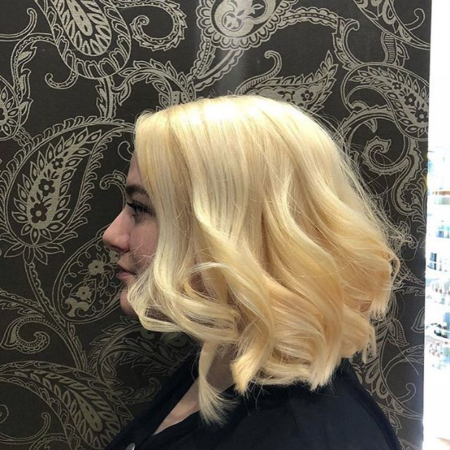 Blonde update! Julie, whom we featured 2 posts ago, decided it was all or nothing this time 'round 🔥🔥🔥