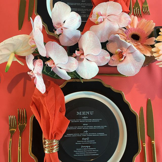 Crushing on coral...absolutely lerve this colour combination and the luxe metallic accents!!! @thecollaborative  @the_ella_group @floridflowers #eventdesign #tabledecor #styling #luxe #sydney #gorgeous #colourcrush