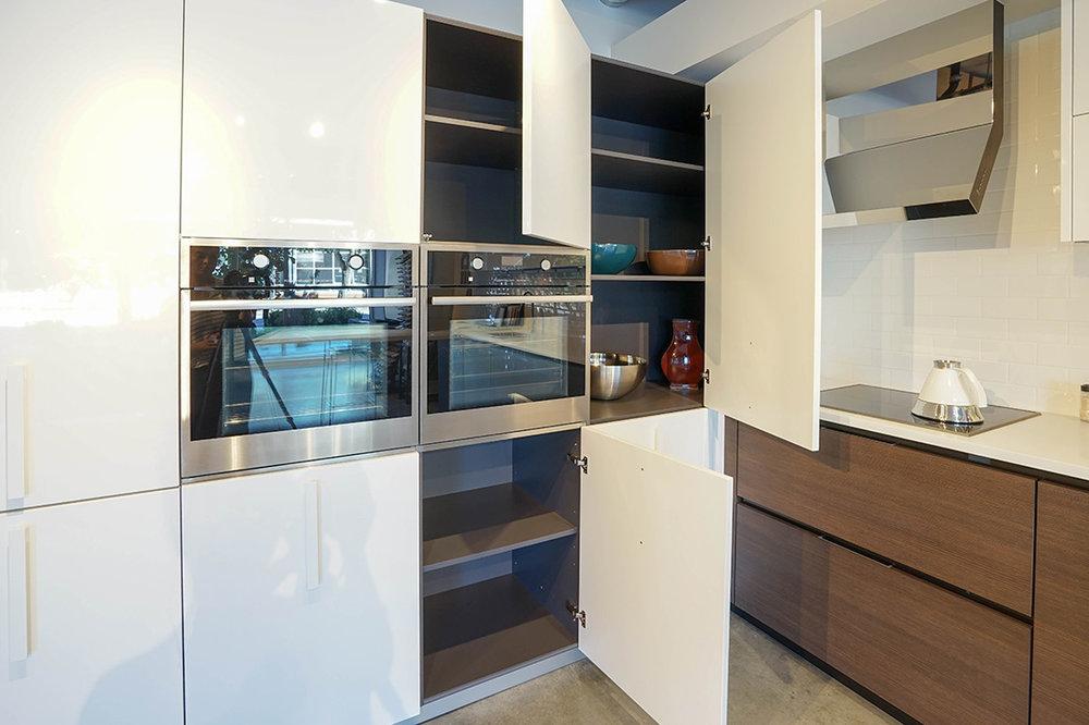 Sale pedini seattle for Pedini cabinets