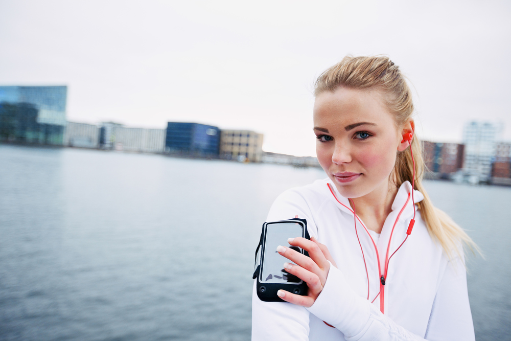 Going for a run? Knowing  how to monitor your heart rate can help you train more efficiently.