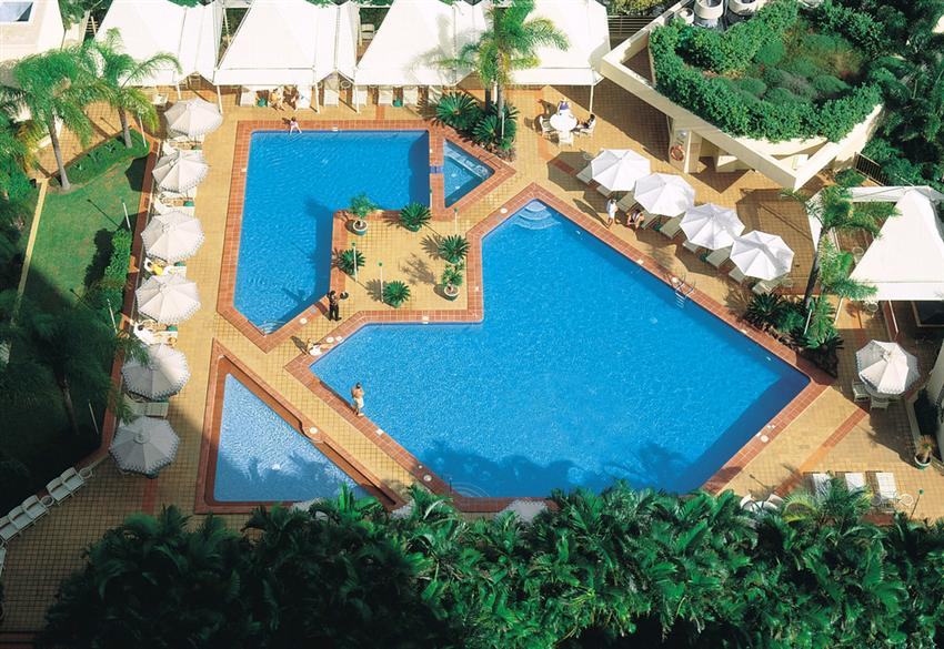Mantra-Pacific-Hotel-Swimming-Pool.t42559.jpg