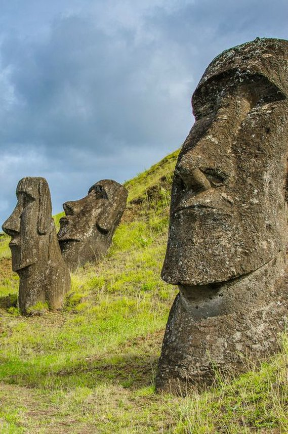 Crazy Bone World… almost! Modi,   Easter Island  , Polynesia is home to these ancient statues.  crazy bones