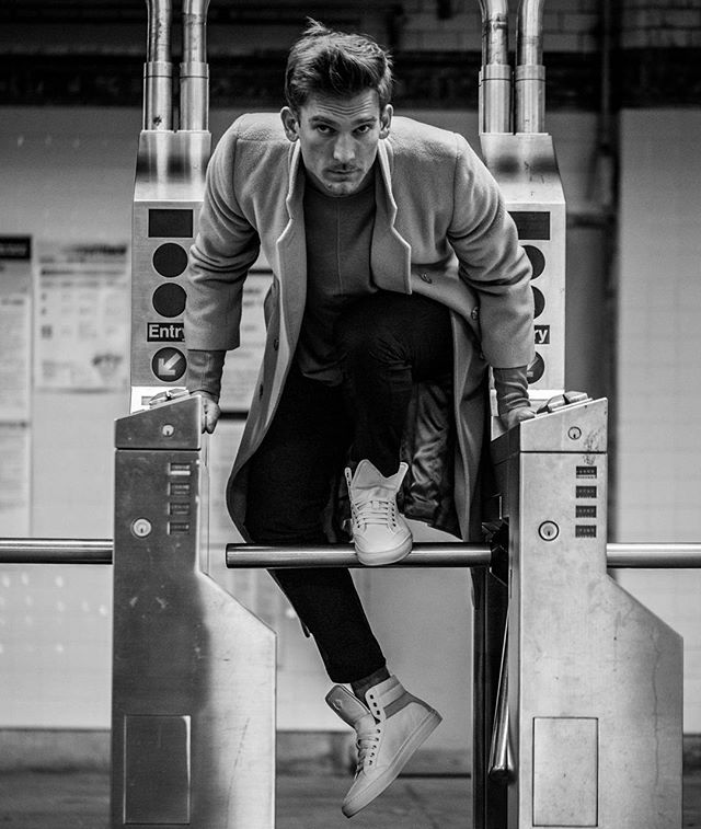 Breakin rules with @_andrewmark  For @koiocollective  Wardrobe Styled by @fmnty #fashionshoot #fashioneditorial #urban #subway #sneakers #freshkicks #sneakeraddict