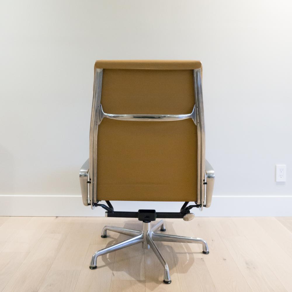 eames-lounge-4.jpg