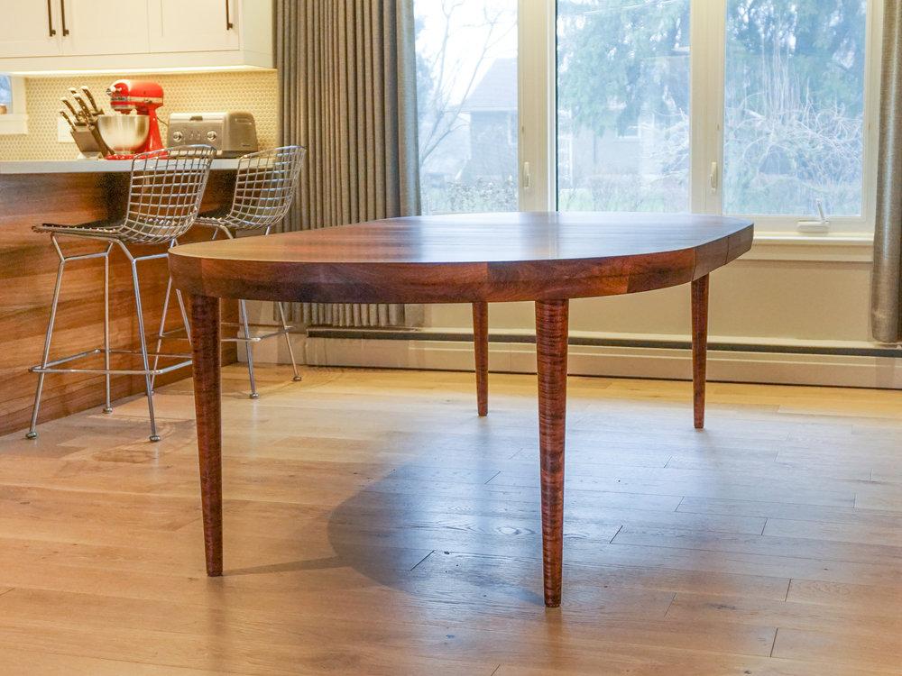 rosewood-round-dining-8.jpg