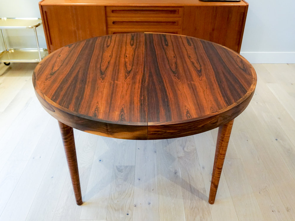 rosewood-round-dining-5.jpg