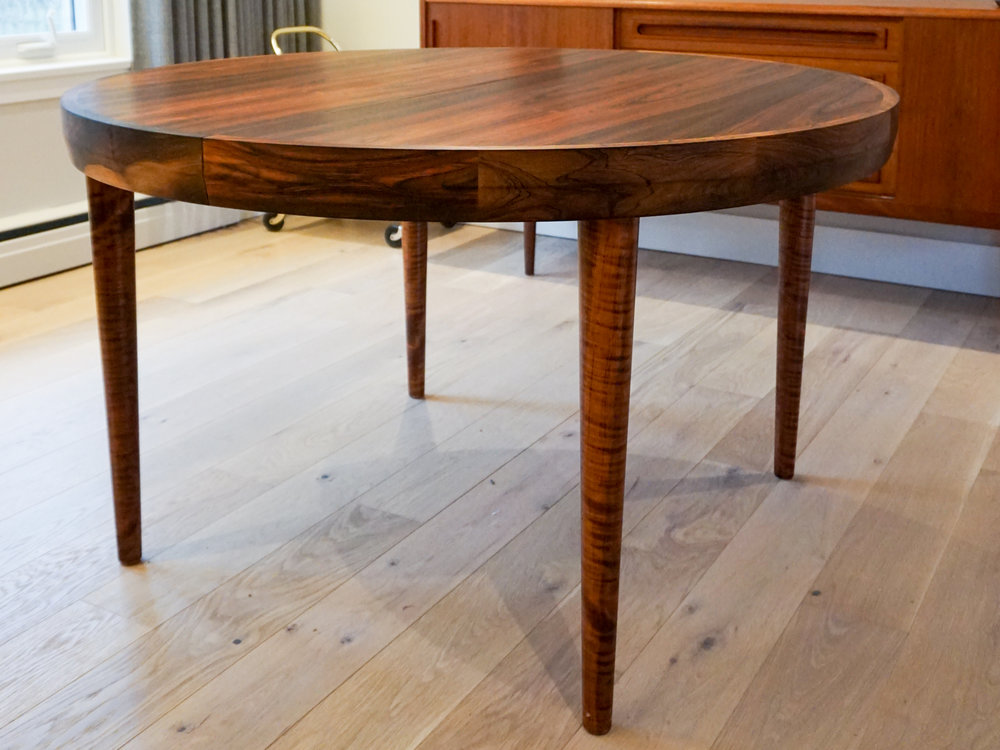 rosewood-round-dining-3.jpg