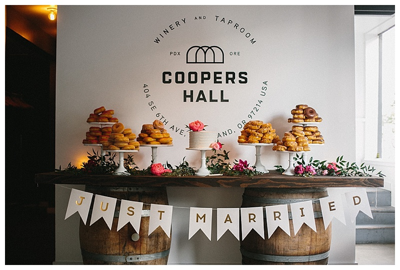 Wedding Florist Oregon Coopers Hall Portland Cake Table Dessert