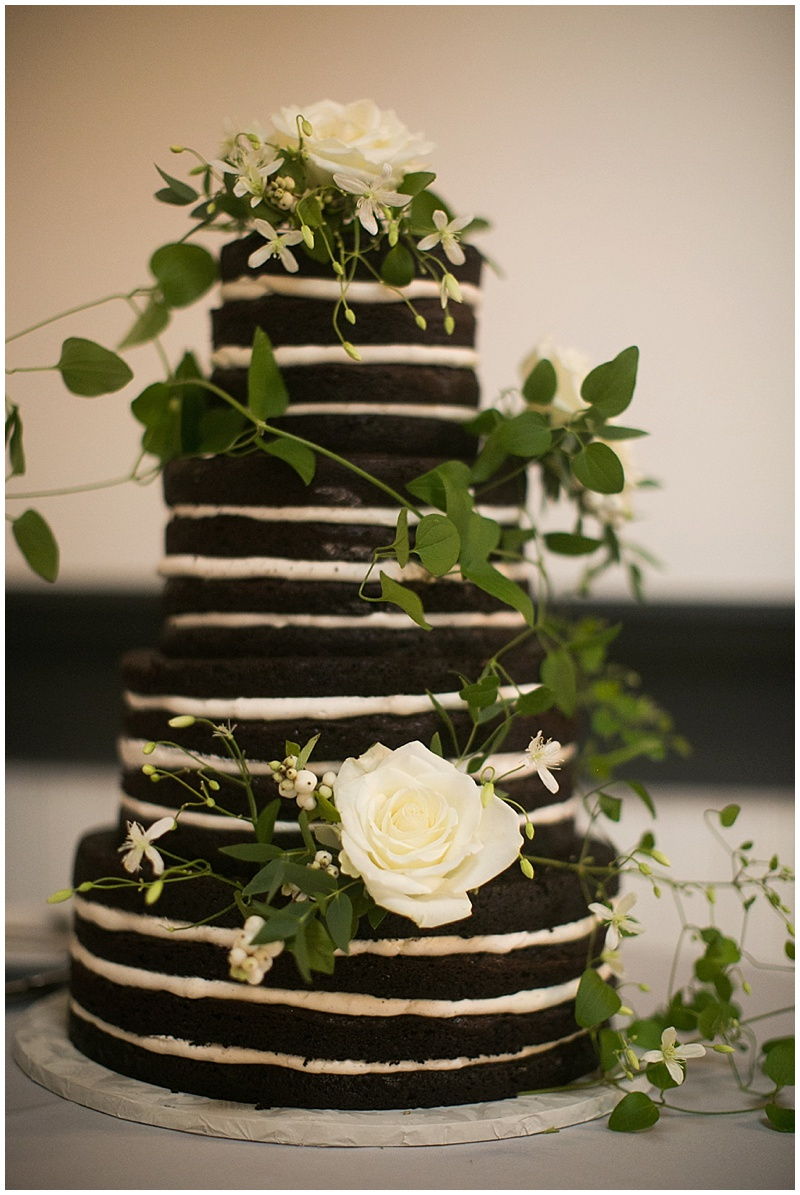 Oregon Wedding Florist Cake flowers
