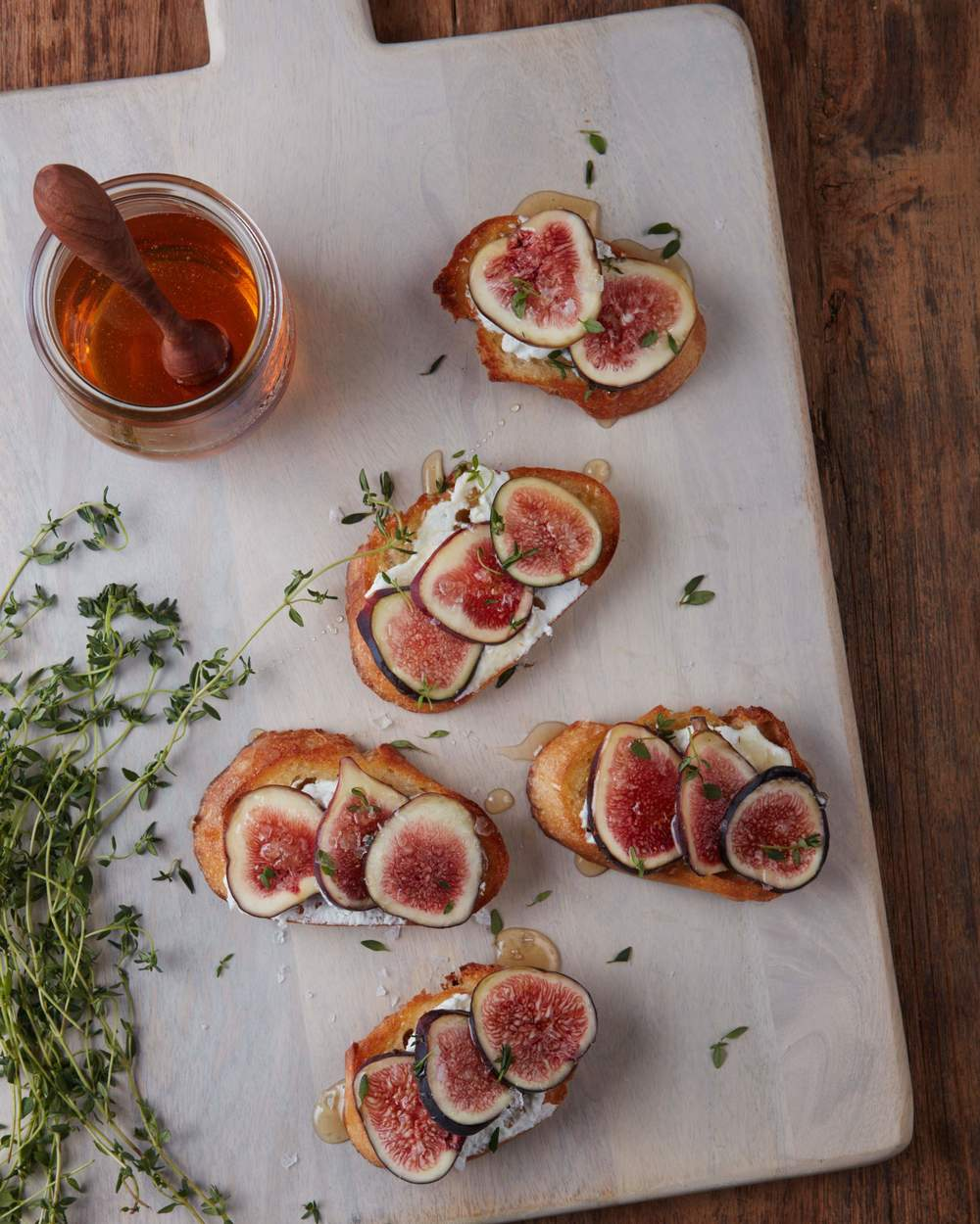 123060_RFES_Crostini With Chevre Figs and Thyme_016.jpg