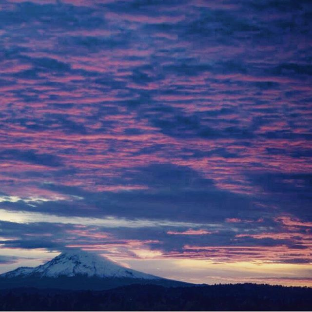Just another November morning in the Pacific Northwest.  #mthood #sunrise #pacificnorthwest