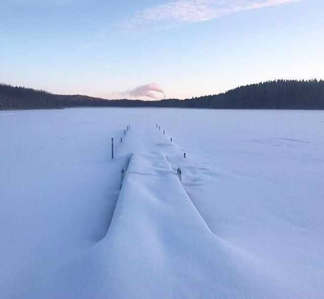 Postcard #inconveniencepowder #white #winter #lahti #lake