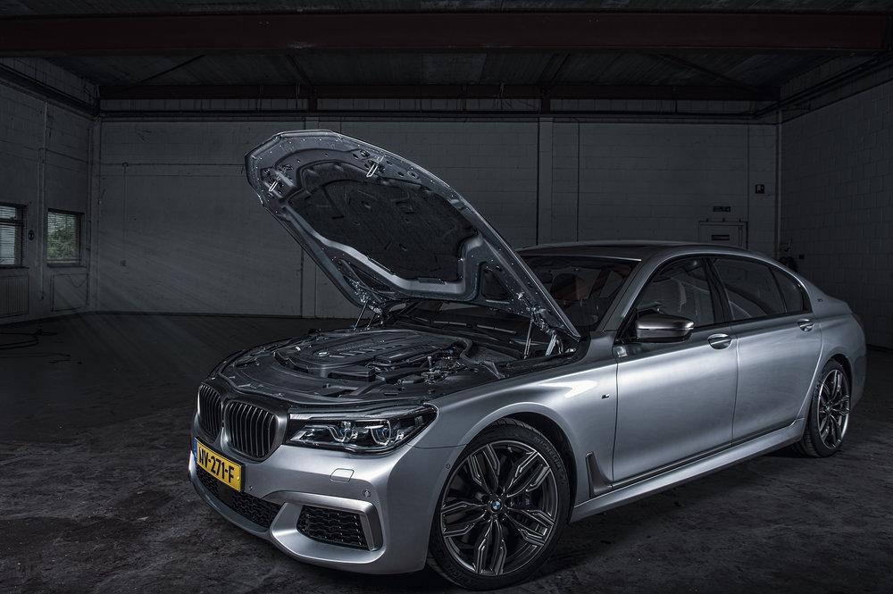 BMW760V12_07.jpg