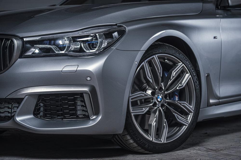 BMW760V12_05.jpg