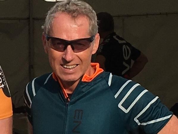 Niels Reuther - Ansat i Marlink siden 2016, Regional Sales ManagerI år bliver mit 4. år som deltager i Sjælsø Rundt, og mit 2. år som en del af Team Maritime. Var først lidt forskrækket over at tage udfordringen med at skulle køre langt på cykel, men det gode sammenhold mellem firmaer på tværs i vores branche, gør at denne dag bliver særlig sjov og hyggelig. I år vil vi samle 2 mindre hold på 133 km ruten og ambitionen er at begge hold skal komme samlet i mål, så vi kan hygge sammen over en kop øl og en hotdog bagefter. Mangler du nogen at køre sammen med eller har du/I lyst til at være med på et af disse hold, så kom glad.