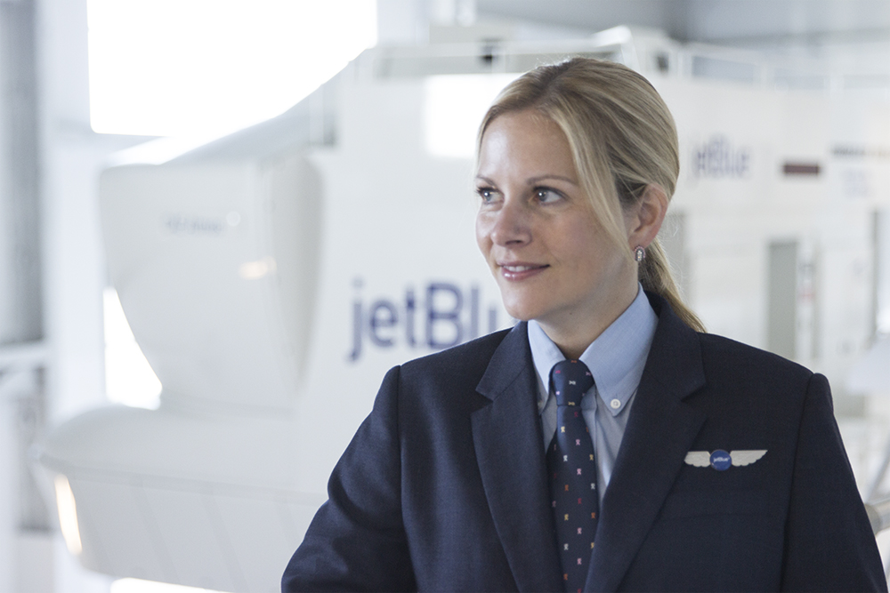 Meet Shari Christensen, a Boston-based E190 FO who also works at JetBlue University in Orlando as the E190 Curriculum Supervisor and a Check Airman in the training department.