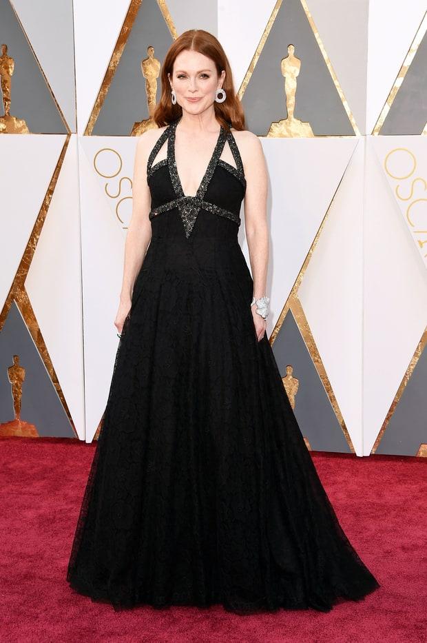 Julianne Moore usa Chanel. Tem horas que eu gosto desse vestido, tem horas que não. Realmente não tenho uma opinião formada sobre ele.