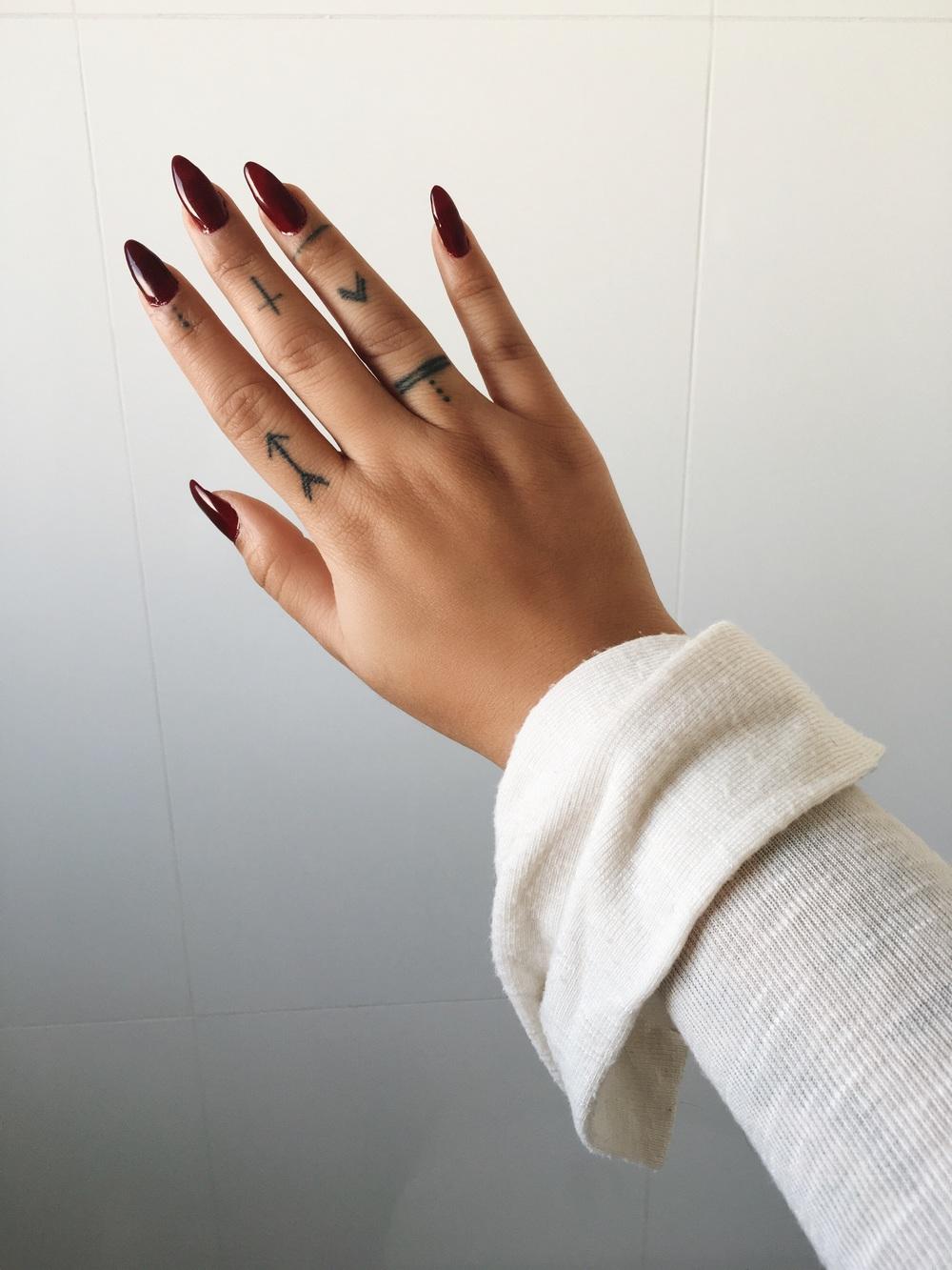Como acho minha mão pequena, o alongamento criança ilusão de que ela é maior. <3