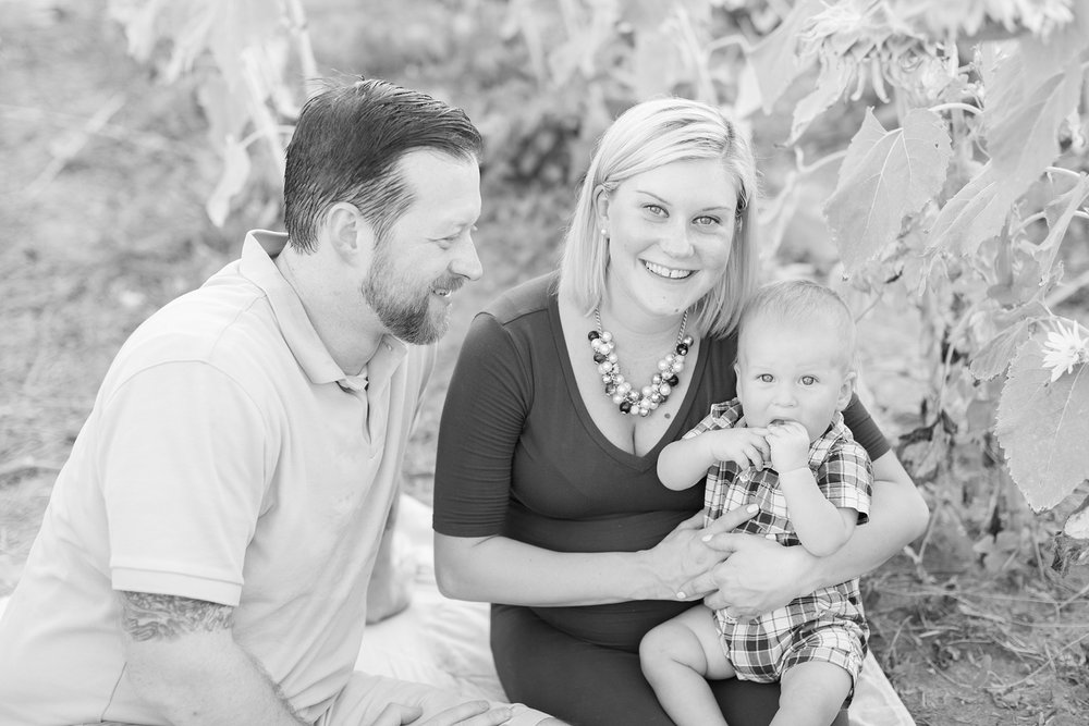 Andrews Family 2016-192_anna grace photography baltimore maryland maternity family photographer sunflower field photo.jpg