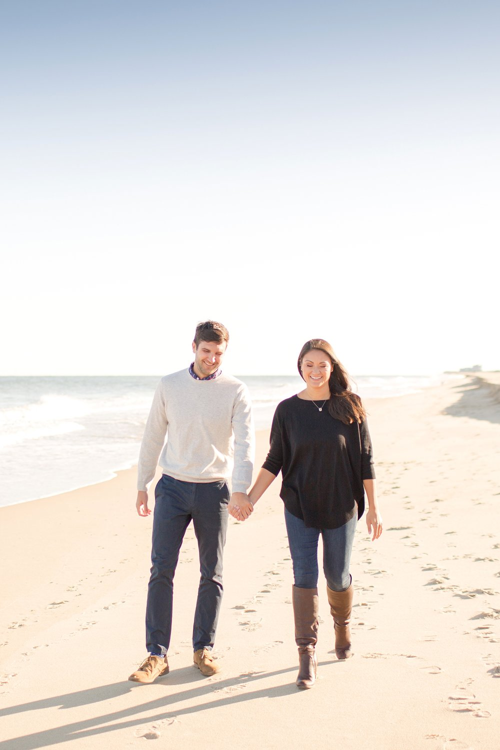 I love beach engagements.