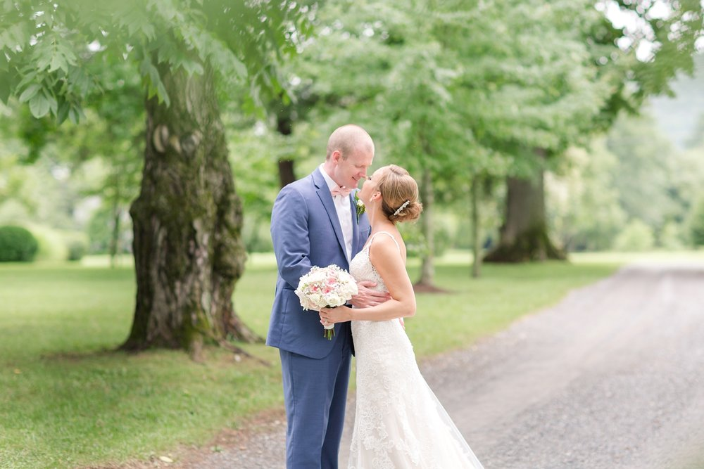 NORMAN WEDDING HIGHLIGHTS-195_whitehall-manor-estate-wedding-photography-virginia-wedding-photographer-anna-grace-photography-photo.jpg
