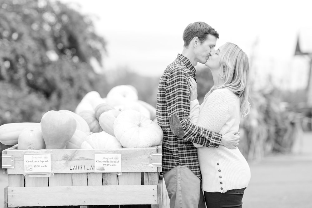 Courtney LaSalle & Taylor Black Engagement-229_larriland-farm-maryland-engagement-photography-anna-grace-photography-photo.jpg