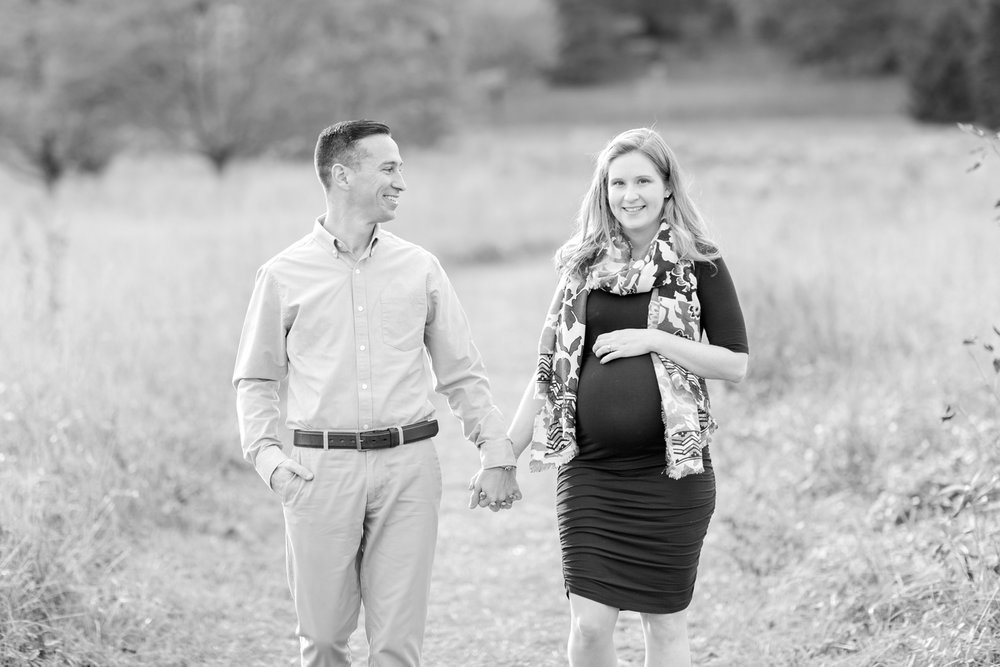 Meg and Paul Maternity-166_dc-arboretum-virginia-maternity-photography-anna-grace-photography-photo.jpg