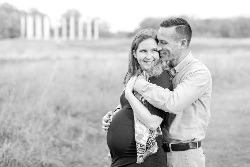 Meg and Paul Maternity-200_dc-arboretum-virginia-maternity-photography-anna-grace-photography-photo.jpg