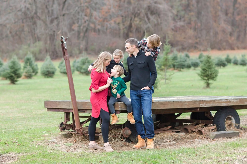 Golembiesky Family 2017-279_ruhl-tree-farm-baltimore-maryland-family-photography-anna-grace-photography-photo.jpg