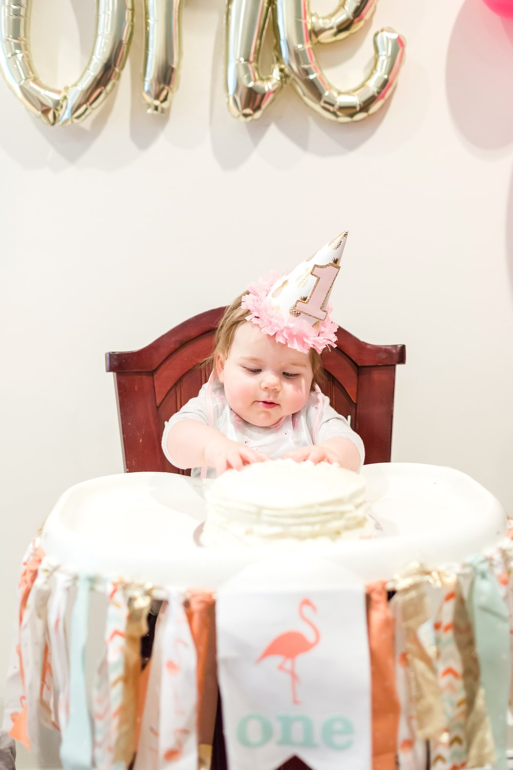 Payton FIrst Birthday-287_maryland-family-1st-birthday-cake-smash-flamingo-birthday-party-photographer-anna-grace-photography-photo.jpg