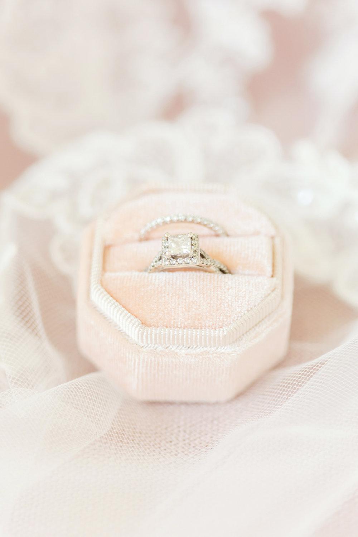 Bertrand WEDDING HIGHLIGHTS-31_maryland-virginia-louisiana-wedding-photographer-grand-marais-wedding-anna-grace-photography-photo.jpg