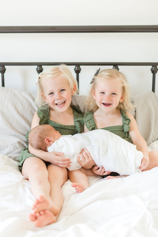 Sweet big sisters!