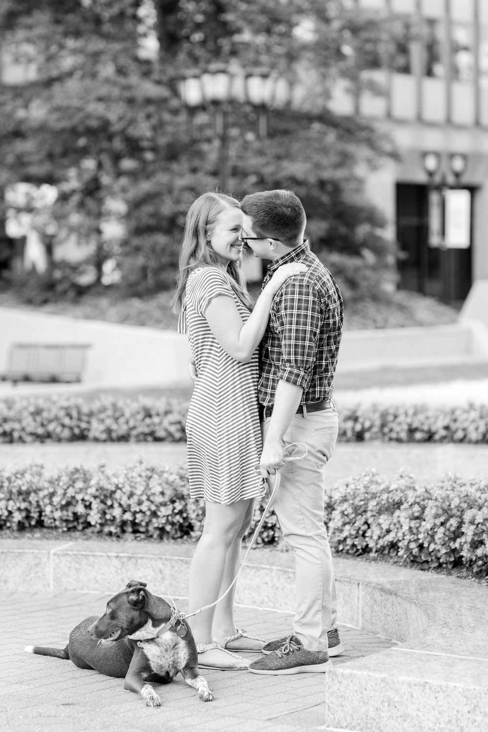 Lindy & Chris Engagement-18_virginia-engagement-photographer-old-town-alexandria-engagement-anna-grace-photography-photo.jpg