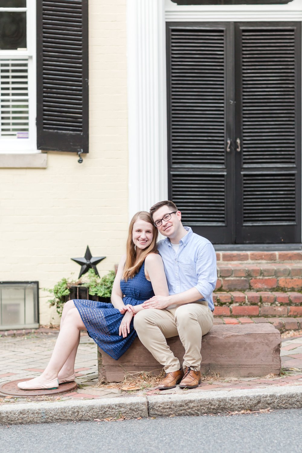 Lindy & Chris Engagement-137_virginia-engagement-photographer-old-town-alexandria-engagement-anna-grace-photography-photo.jpg